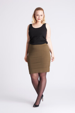 Skirt with elastic edge